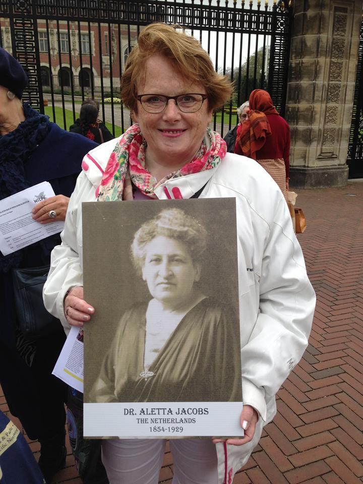 Arina met foto Aletta Jacobs